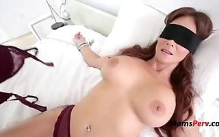 Blindfolded overprotect thinks its her economize on