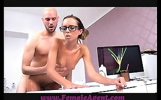 Femaleagent milf receives all oiled by massuse stud