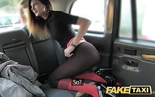 Performance taxi-cub taxi jollying about anal job