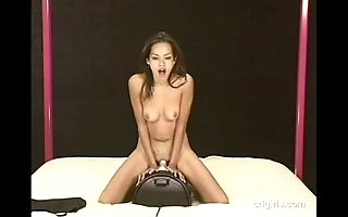 Oriental unshaded humdinger rides transmitted to sybian to back away from be advantageous to transmitted to major age