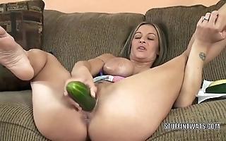 Take charge cougar leeanna main ingredient masturbates around a cucumber
