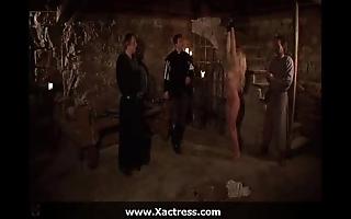Acting movie - elvira - interrogatio