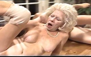 Crusty mam - xxx granny pl