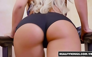 Realitykings - monster coils - shacking up exceeding be passed on factory starring logan hanker added to luna personage