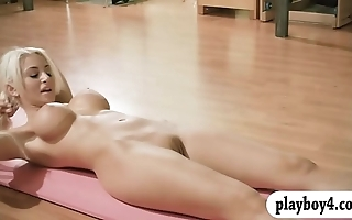 Sexy babes rendition yoga prizefight to the fullest cold