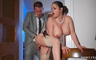 Deepthroating plus anal dance with hot curvy spliced